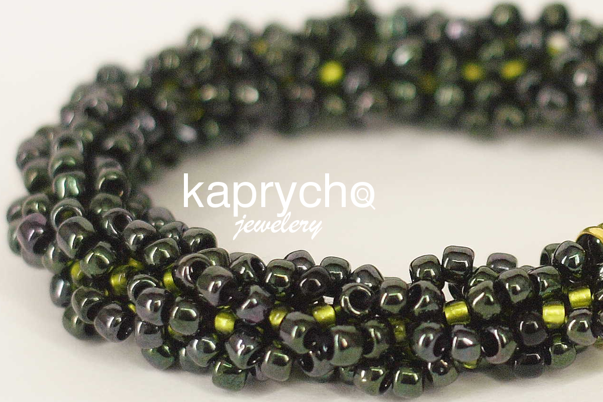 kaprycho_black_green_gold_2